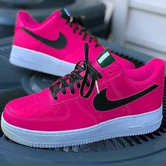 Behind The Scenes By customsneakers.eu Cute Shoes, Me Too Shoes, Awesome Shoes, Hypebeast, Sneaker Plug, Nike World, Sneakers Fashion, Sneakers Nike, Nike Gear
