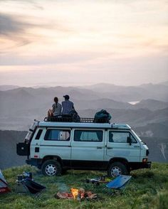 Living-In-Van-Life-Travel-Photography Van Life - Creative Vans Vw Camping, Camping Ideas, Wolkswagen Van, Vw T3 Syncro, Quitting Job, Road Trip, Kombi Home, Vans, Van Living
