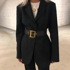 Fashion details, belted blazer, black and gold Look Fashion, Korean Fashion, Winter Fashion, Fashion Outfits, Womens Fashion, Fashion Trends, Normcore Fashion, Fashion Details, Fashion Ideas