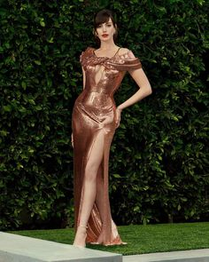 Atelier Versace, Vivienne Westwood, Fashion Week, Look Fashion, Fashion Trends, Costume, Looks Chic, Beautiful Celebrities, Looking Gorgeous