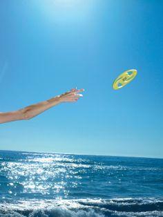 Disco volador, ulta ligero.  Dimensiones: 0,6 cm h x 20  Material: eva  Colores disponibles: rojo, amarillo y azul