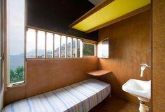 Fondation Le Corbusier - Buildings - Unités de camping Sentier Le Corbusier  06190 Roquebrune-Cap-Martin  Contact :  Site : www.capmoderne.com ou  e-mail : contact@capmoderne.com Accès gare SNCF de Roquebrune-Cap-Martin