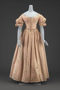 1840 American (Massachusetts) Dress at the Museum of Fine Arts, Boston