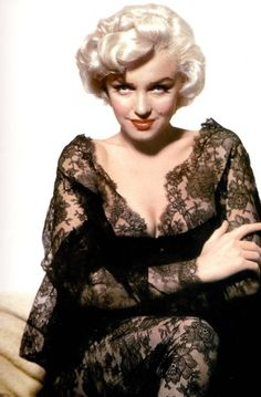 Marilyn photographed by Ernest Bachrach in 1952.