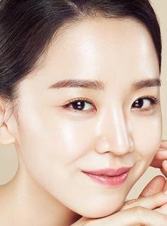 """Shin Hye Sun is a South Korean actress. Inspired by Won Bin's performance in the drama """"Autumn Tale"""", Shin entered Korean Actresses, Korean Actors, Park Si Hoo, Won Bin, Drama News, Golden Life, Tv Awards, Park Shin Hye, Star Girl"""