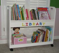 HOW cool is this for a school room!? :) rolling bookshelf!