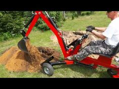 Small Tractors, Tractor Loader, Vintage Tractors, Wood Steel, Cool Technology, Outdoor Power Equipment, Baby Strollers, Fire Pits, Hoe