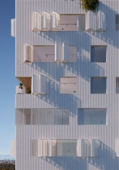 Fieldwork - Patch Apartments Fassade weiß Wellblech Luken Lochblech Knickdia Render Source by stjimi Architecture Design, Minimalist Architecture, Facade Design, Contemporary Architecture, Contemporary Design, Chinese Architecture, Architecture Office, Futuristic Architecture, Building Exterior