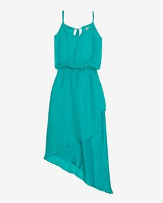 It's all about the hemline with this flirty dress.