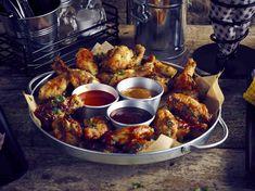 Sharing Platter Presentation #food #Genware Sharing Platters, Food Platters, Wing Recipes, Food Presentation, Tandoori Chicken, Finger Foods, Chicken Wings, Chicken Recipes, Appetizers