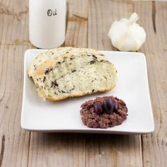A simple and delicious Greek olive spread! Use Kalamata olives or your favorite olives to create this spread. Greek Olives, Kalamata Olives, Greek Appetizers, Appetizer Recipes, Olive Spread, Greek Dishes, Mediterranean Dishes, Tapenade, Fresh Bread