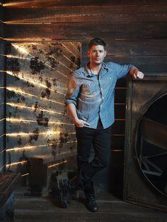 Jensen Ackles 3.000×4.000 píxeles