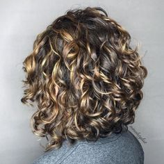 Trying to update your bob haircut for curly hair? You'll want to see our list of beautiful curly bob ideas to find the right one for you. Medium Length Curly Haircuts, Layered Curly Haircuts, Curly Angled Bobs, Bob Haircut Curly, Inverted Bob Hairstyles, Haircuts For Curly Hair, Curly Hair Cuts, Curly Hair Styles, Stacked Bobs