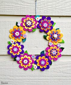 If your kids or tweens need a boredom-buster this summer, this fun and easy Foamies flower wreath is the perfect kids craft!Make a pretty flower wreath with a foam flower kit - diy tutorial idea, decor crafts for kids Look no further than craft foam, Foam Sheet Crafts, Foam Crafts, Decor Crafts, Paper Crafts, Craft Foam, Paper Toys, Paper Art, Crafts With Foam Sheets, Wreath Crafts
