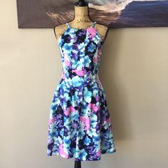 ⚠️FLASH SALE⚠️ VINCE CAMUTO Spring Flare Dress See photo for measurement details. Vince Camuto Dresses