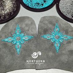 Northern Compass pattern Beadwork The amount of drops worn by Seminole women was a sensation to any or all … Beaded Flowers Patterns, Native Beading Patterns, Beadwork Designs, Bead Embroidery Patterns, Native Beadwork, Seed Bead Patterns, Beaded Jewelry Patterns, Beaded Embroidery, Baby Moccasin Pattern