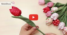 Felt Flowers, Diy Flowers, Fabric Flowers, Paper Flowers, Paper Quilling Tutorial, Paper Flower Tutorial, Diy Sewing Projects, Sewing Crafts, Yarn Crafts