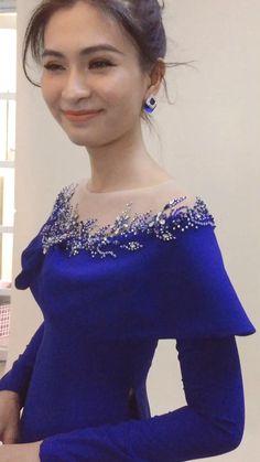 Stylish Dresses, Elegant Dresses, Cute Dresses, Beautiful Dresses, Indian Fashion Dresses, Fashion Outfits, Myanmar Dress Design, Royal Clothing, Dress Neck Designs