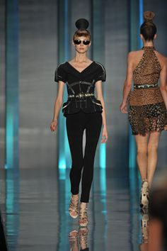 Christian Dior Spring 2009 Ready-to-Wear Collection Slideshow on Style.com