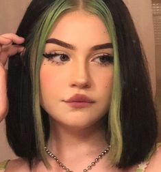 22 Ideas For Pastel Hair Aesthetic Short Gefärbter Pony, Pretty Hairstyles, Straight Hairstyles, Grunge Hairstyles, Dyed Bangs, Hair Color Streaks, Hair Color Pink, Hair Dye Colors, Color Blue
