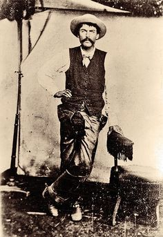 Fred Waite, one of the cowboys who fought in New Mexico's Lincoln County War… Billy Kid, Billy The Kids, Famous Outlaws, Old West Photos, American Frontier, Texas History, Le Far West, Mountain Man, Native American Indians