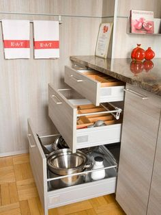 Would LOVE to have these in our kitchen. -Choose Full-Extension Pullouts: Drawers and trays that extend fully allow the use of back corners without having to reach deep into cabinets to retrieve a pot or small appliance. You might prefer drawers because they save having to first open a set of doors.