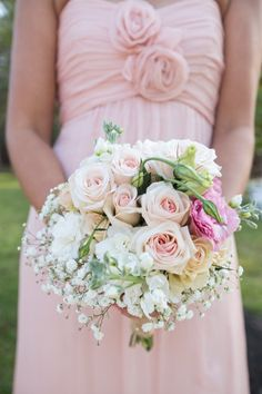 Romantic Rustic Shabby Chic Vintage Green Multicolor Pink White Yellow Bouquet Country Club Country Fall Wedding Flowers Photos & Pictures - WeddingWire.com