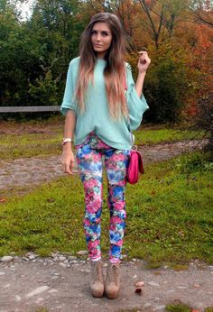 how to wear floral pants 10 s Spring Outfits, Trendy Outfits, Girl Outfits, Cute Outfits, Floral Outfits, Fashion Diva Design, Fashion Trends, Men Fashion, Fashion Ideas