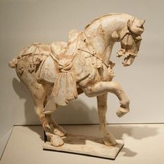Horse, earthenware with traces of paint - China, Tang Period (618 - 907)