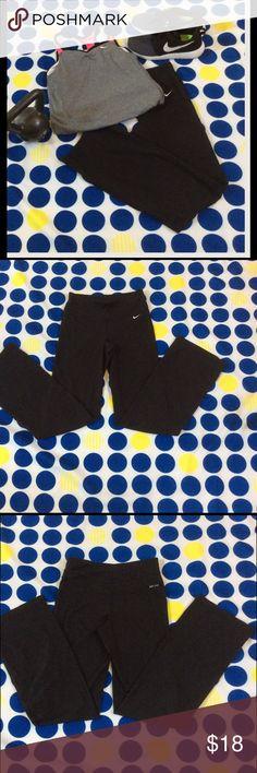 Nike Dri-fit boot cut workout pant Nike Dri-fit boot cut workout pant in a size XS Nike Pants Track Pants & Joggers