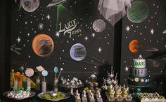 Festa infantil com tema de extraterrestres no 'Fazendo a Festa' - Fazendo a Festa - GNT Cars Birthday Parties, Birthday Balloons, Birthday Party Decorations, Party Themes, Ideas Party, Fun Ideas, Astronaut Party, Outer Space Party, Space Theme