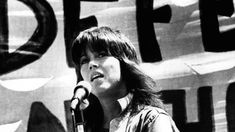 """""""Revolution is an act of love"""" - Pictures of Jane Fonda the Activist - Flashbak Henry Fonda, Jane Fonda, Anthony Bourdain Parts Unknown, Documentary Filmmaking, Mary Martin, Perfect Movie, Hbo Series, Love Pictures"""