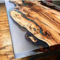 How do I make a river table with epoxy resin? - How do I make a river table with epoxy resin? Epoxy Table Top, Epoxy Wood Table, Wood Tables, Bancada Epoxy, Resin And Wood Diy, Diy Wood, Wood Table Design, Resin Furniture, Furniture Design