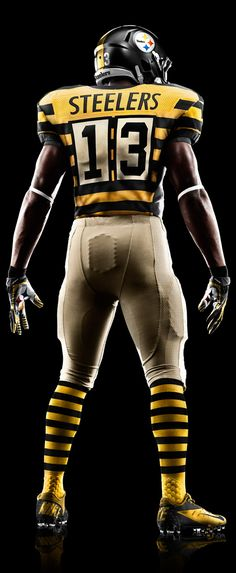 Steelers, 1933 uniform. Shame they forget to change the helmet