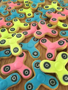 Fidget spinner sugar cookies