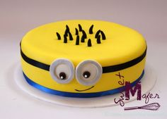 torta-minion-2 Minion Birthday, Minion Party, Minion 2, Birthday Cakes, Cakes For Men, Cakes And More, Torta Minion, Torta Angel, Evil Minions