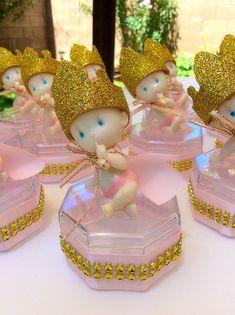 12 princess Baby shower favors - Little princess baby shower-little princess favors- Royal baby shower- pink and gold baby shower Baby Shower Photo Frame, Baby Shower Photos, Baby Boy Shower, Baby Shower Princess, Baby Princess, Little Princess, Princess Favors, Mesas Para Baby Shower, Royal Baby Showers