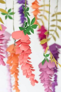 Summertime Paper Flower Roundup - The Best Paper Flower Tutorials DIY hanging paper wisteria flowers. Summertime Paper Flower Roundup - The Best Paper Flower Tutorials DIY hanging paper wisteria flowers. Hanging Paper Flowers, Paper Flower Arrangements, Paper Flower Centerpieces, Paper Flower Garlands, Easy Paper Flowers, Paper Plants, Paper Flowers Craft, Paper Flowers Wedding, Paper Flower Wall