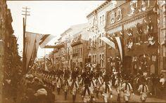 Le Défilé historique sur la rue Saint-Jean, Tricentenaire de Québec.