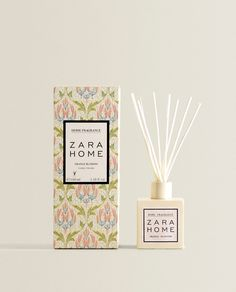 AMBIENTADOR EN STICKS ORANGE BLOSSOM Zara Home España, Home Scents, Orange Blossom, Cookies Et Biscuits, Air Freshener, Scented Candles, Diffuser, Fragrance, Place Card Holders
