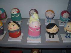 alguns personagens ,Frida, Maria Antonieta etc- papel machê