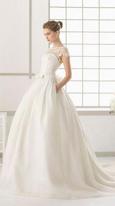 7bb991f28 Encuentra Vestidos de Novia de Rosa Clará gracias a nuestro buscador.  Descubre las últimas propuestas y tendencias en Vestidos de Novia de Rosa  Clará.
