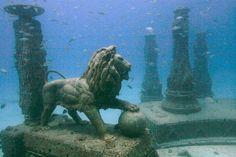 マイアミにある海中墓地「ネプチューン・メモリアル・リーフ」まるで海底遺跡!
