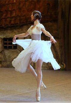 Anastasia Goryacheva in Bolshoi's Giselle