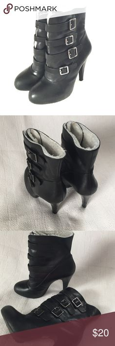 """Gianni Bini fur lined black heeled booties These booties are actually comfortable!  And the fur lining is really great for cold weather. 4"""" heel. Small scuff marks on back of wooden heel. Gianni Bini Shoes Heeled Boots"""