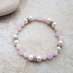 Náramek z říčních perel a růženínu s rondelkami Beaded Bracelets, Jewelry, Fashion, Bangle Bracelets, Moda, Jewlery, Jewerly, Fashion Styles, Pearl Bracelets