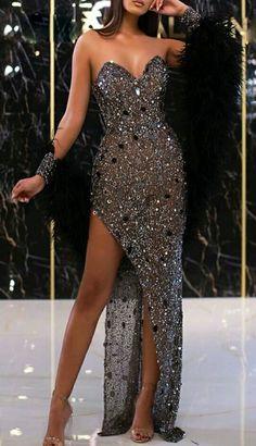 Pretty Prom Dresses, Dressy Dresses, Event Dresses, Cute Dresses, Beautiful Dresses, Strapless Dress Formal, Glamouröse Outfits, Award Show Dresses, Evening Dresses For Weddings
