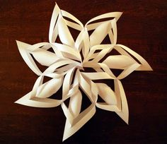 christmas ornament: paper snowflake tutorial - crafts ideas - crafts for kids