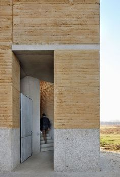 De Gouden Liniaal Architecten - Observation tower, Negenoord The rammed-earth construction of the tower used materials excavated from the site; a short film on the project here. Sustainable Architecture, Residential Architecture, Contemporary Architecture, Classical Architecture, Rammed Earth Homes, Rammed Earth Wall, Natural Building, Green Building, Detail Architecture