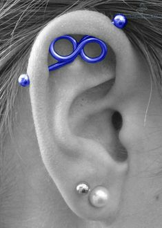 Pick your favorite type and get that ear piercing done. Opt for different ear piercing combination. Types Of Ear Piercings, Cute Piercings, Body Piercings, Piercing Tattoo, Unique Piercings, Ear Peircings, Bar Stud Earrings, Heart Earrings, Body Jewelry